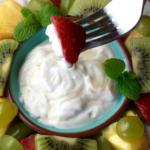 Fresh Fruit Salad with Honey-Yogurt Dip